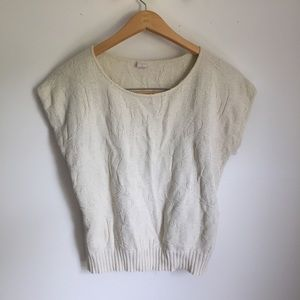 Sweaters - Vintage knit sleeveless lightweight sweater